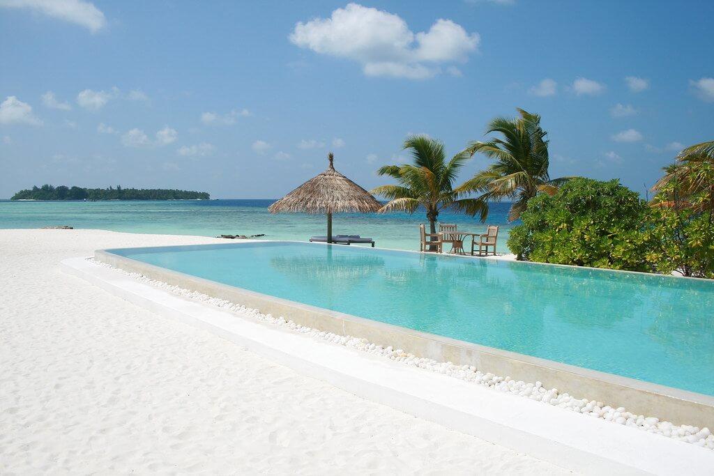 Cocoa Island Maldives Resort Header