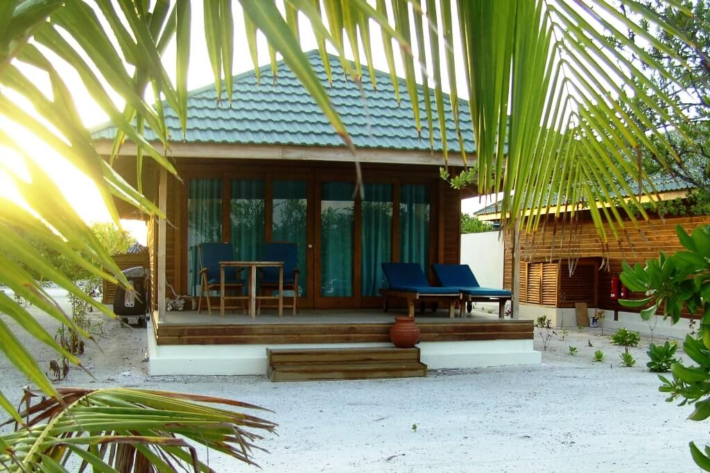 J Resort Handhufushi Maldives Header