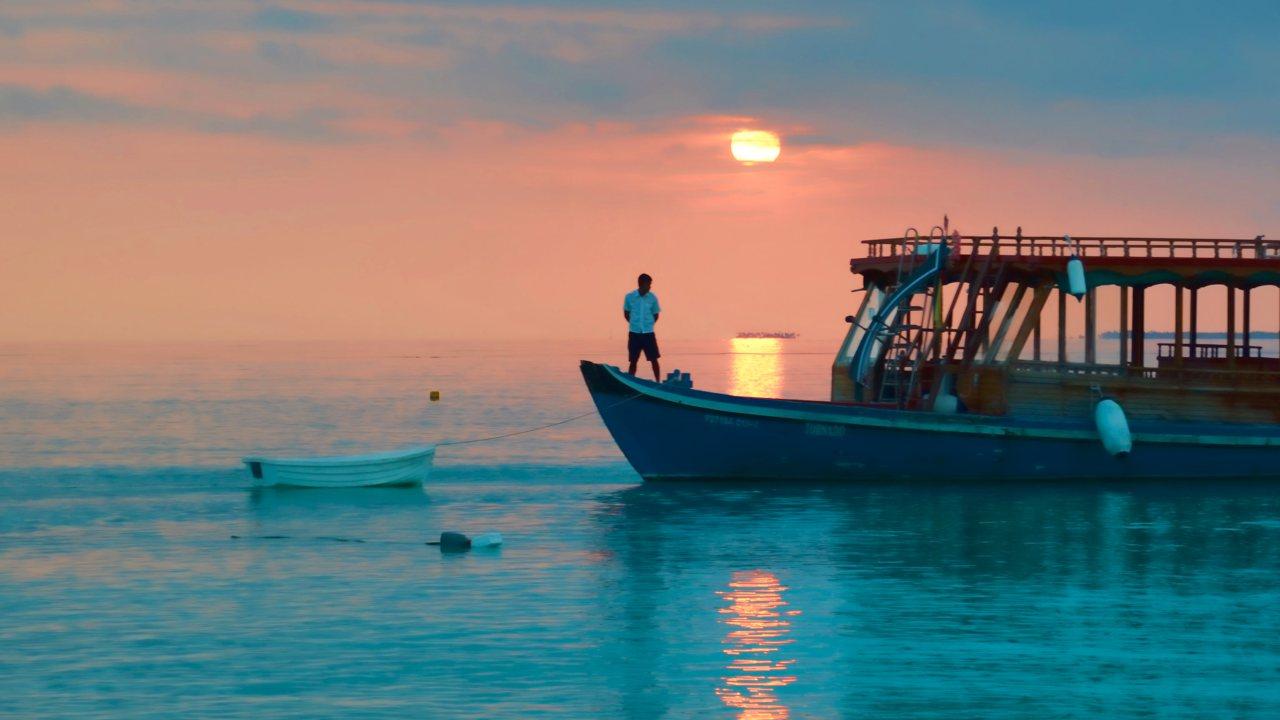 Maldives Boat Dhoni - Maldives Tourism Arts & Crafts
