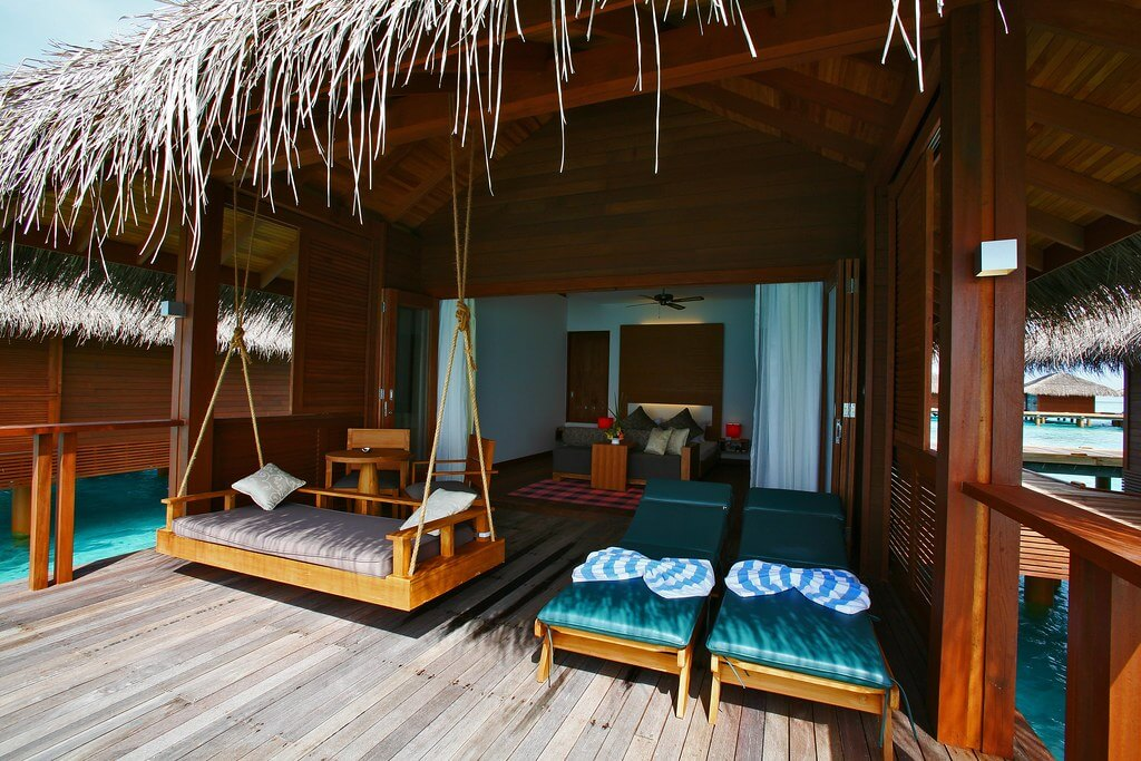 Medhufushi Island Resort Maldives Header