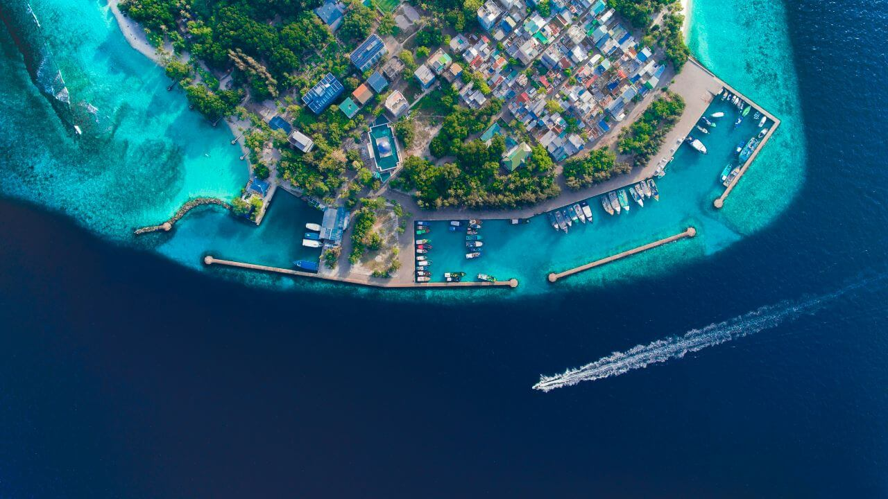 Where is Maldives? (Maldives Location on World Map, Distance from India & Sri Lanka)